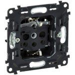 LEGRAND 753024 Valena InMatic 2P+F csatlakozóaljzat mechanizmus gyermekvédelemmel, csavaros vezetékbekötéssel
