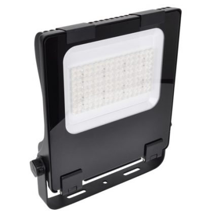 TRACON RHISA240W LED fényvető, aszimmetrikus 100-240 VAC, 50/60 Hz, 240 W, 32.400 lm, 4000 K, IP66